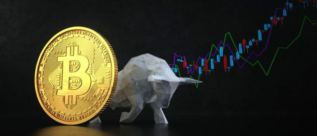 Dalam dunia investasi aset kripto, Bitcoin bisa dibilang jadi trendsetter sekaligus top mind dikalangan investor. Naik turunnya nilai bitcoin nggak lepas dari perhatian investor ataupun orang awam. Kepopuleran Bitcoin ini bikin orang awam yang mulai tertarik untuk investasi dan menggeluti trading aset kripto. Tapi, sebetulnya selain Bitcoin masih ada aset kripto lain yang bisa dijadikan sebagai pilihan investasi. Dari banyaknya jenis kripto yang ada, ini dia 5 alternatif pilihan kripto yang cocok kamu jadikan investasi. 1. Ethereum (ETH) Ethereum adalah aset kripto terpopuler setelah Bitcoin. ETH adalah cryptocurrency berbasis blockchain yang bisa digunakan untuk ngembangin aplikasi terdesentralisasi dan smart-contract. Keunggulan dari ETH adalah sebagai platform populer untuk membangun smart-contract, istilah yang digunakan dalam mengembangkan protokol komputer yang memfasilitasi kontrak atau perjanjian antara satu pihak dengan pihak lain dengan menggunakan kode tanpa pihak ketiga. 2. Bitcoin Cash (BCH) Bitcoin Cash adalah aset digital yang punya peran penting dalam sejarah altcoin, malah jadi salah satu hardfork tersukses Bitcoin. BCH meningkatkan ukuran blok dari 1 MB menjadi 8 MB. BCH diciptakan dengan latar belakang untuk membuat blok yang lebih besar dapat menampung lebih banyak transaksi. Kelebihan BCH adalah kecepatan transaksinya yang mengalahkan Bitcoin. Sedangkan perbedaan antara BCH dan BTC adalah penghapusan protokol Segregated Witness (SegWit) yang memiliki dampak pada blok room. 3. Tether (USDT) USDT dibuat untuk mematok nilai pasar aset kripto terhadap mata uang flat demi mengurangi volatilitas. Karena cryptocurrency sejatinya punya tingkat volatilitas yang tinggi dan kenaikan pun penurunan harganya signifikan. Adanya UDt dan stablecoin bertujuan untuk menjaga fluktuasi harga. Sehingga harga USDT terhubung langsung dengan harga dolar AS, memudahkan investor untuk melakukan transfer dari aset kripto lain dalam bentuk dolar AS secara singkat. 4. Tron T