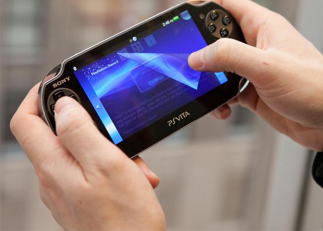 """Beberapa waktu lalu, Sony sempat membuat keputusan bahwa mereka akan menutup PlayStation Store PS3 dan PS Vita. Namun ternyata keputusan tersebut ditarik kembali. Tahun ini PlayStation Store PS3 dan PS Vita akan tetap beroperasi. Jim Ryan, Presiden dan CEO Sony Interactive Entertainment mengabarkan berita ini melalui postingan blog. Ia mengatakan bahwa keputusan penutupan toko PS3 dan Vita adalah langkah yang salah. """"Jadi hari ini saya dengan senang hati mengatakan bahwa kami akan tetap mengoperasikan PlayStation Store untuk perangkat PS3 dan PS Vita."""" ungkap jim yang dikutip dari techbiz.id. Ryan juga mengungkapkan jika mulanya Sonu melakukan keputusan tersebut lantaran beberapa alasan, termasuk alasan supaya bisa fokus pada platform PlayStation 4 dan PS5 dimana hampir sebagian besar penggunanya bermain game. Akan tetapi keputusan tersebut ditarik kembali karena besarnya animo dari masyarakat. """"Kami melihat sekarang bahwa banyak dari Anda yang sangat bersemangat untuk dapat terus membeli game klasik di PS3 dan PS Vita di masa mendatang, jadi saya senang kami dapat menemukan solusi untuk melanjutkan operasi,"""" papar Ryan. Ternyata keputusan untuk menutup PlayStation Store di PS3 dan Vita mendapatkan reaksi keras dari para penggemar. Para penggemar Sony mengadu jika mereka tidak mungkin bisa memainkan banyak game PS3 atau Vita di PS4 dan PS5 kecuali mereka ada di PlayStation Now atau sudah dirilis ulang di PS4. Wah, ini tentunya jadi kabar bahagia dong untuk para gamer bukan? Nah, untuk kamu yang ingin tahu bagaimana proses pembuatan dan pengembangan game, sekarang kamu bisa ambil program ekstensi D3 ke S1 program studi/jurusan Teknik Informatika di IDS Digital College. Kampus IT terbaik di Jakarta ini menyediakan program ekstensi D3 ke S1 Mobile Apps & Games Development yang cocok banget buat kamu. Yuk, apply sekarang!"""